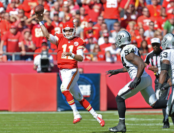 Hi-res-184412326-quarterback-alex-smith-of-the-kansas-city-chiefs-throws_display_image