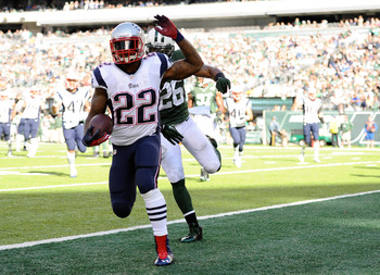 Hi-res-185420045-stevan-ridley-of-the-new-england-patriots-runs-into-the_display_image