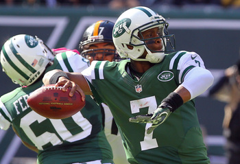 Geno Smith threw two red-zone interceptions against Pittsburgh.