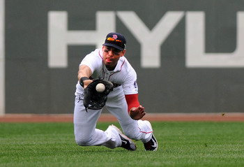 Hi-res-179373814-jacoby-ellsbury-of-the-boston-red-sox-makes-a-diving_display_image