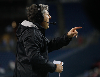 Hi-res-182275247-head-coach-mike-leach-of-the-washington-state-cougars_display_image