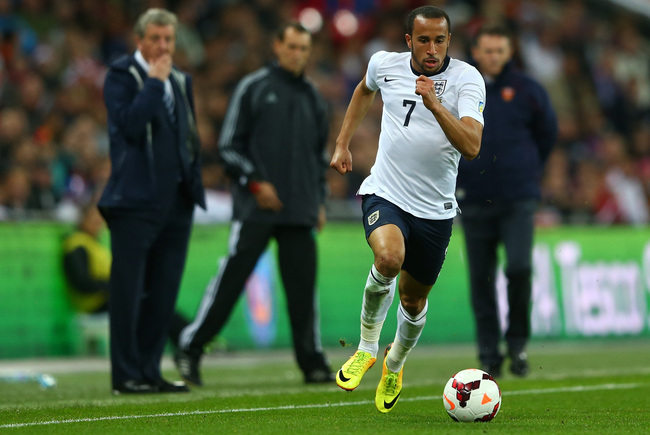 Hi-res-184076754-andros-townsend-of-england-runs-with-the-ball-during_crop_650