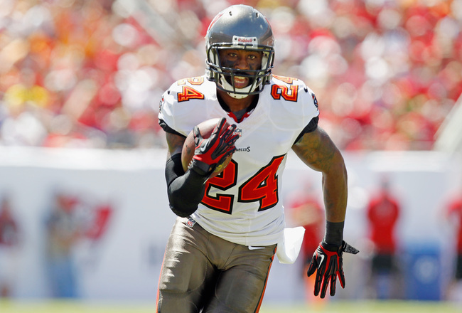 Hi-res-182943529-darrelle-revis-of-the-tampa-bay-buccaneers-runs-with_crop_650x440