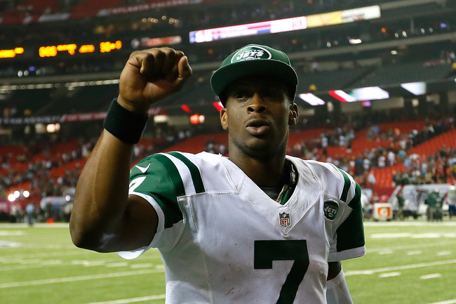 Hi-res-183606004-geno-smith-of-the-new-york-jets-walks-off-the-field_crop_650