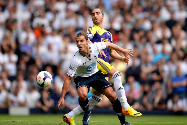 Hi-res-177637481-roberto-soldado-of-spurs-attempts-to-control-the-ball_crop_650