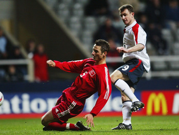 Hi-res-1889170-francis-jeffers-of-england-scores-the-equalising-goal_display_image