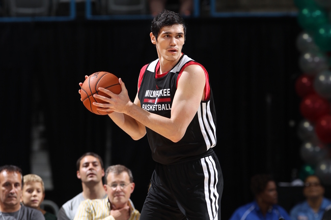 Hi-res-183589245-ersan-ilyasova-looks-to-pass-the-ball-during-the-2013_crop_650