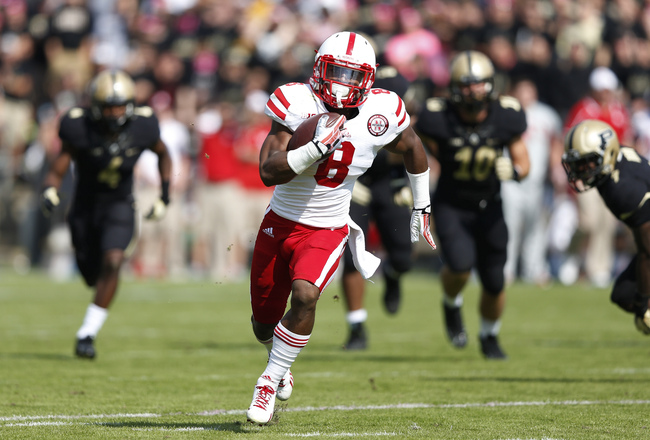 Hi-res-184220594-ameer-abdullah-of-the-nebraska-cornhuskers-runs-for-a_crop_650x440