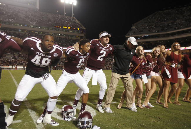 Hi-res-181502394-johnny-manziel-of-the-texas-a-m-aggies-sings-the-war_crop_650x440
