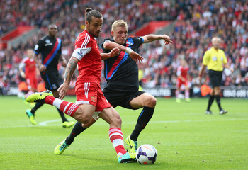 Hi-res-182112711-dani-osvaldo-of-southampton-battles-for-the-ball-with_display_image