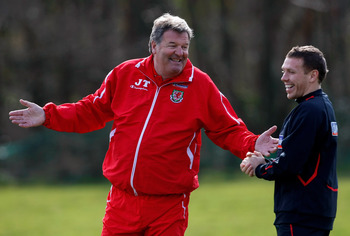 Hi-res-85576017-wales-manager-john-toshack-enjoys-a-laugh-with-striker_display_image