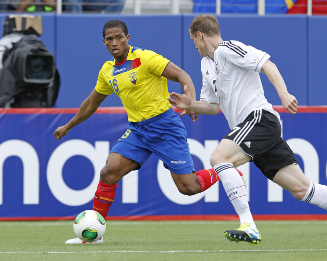 Hi-res-169681433-luis-antonio-valencia-of-ecuador-brings-the-ball-past_crop_650