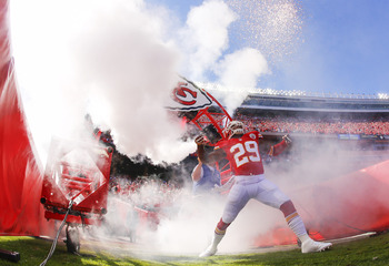 Hi-res-184412306-eric-berry-of-the-kansas-city-chiefs-heads-through-the_display_image