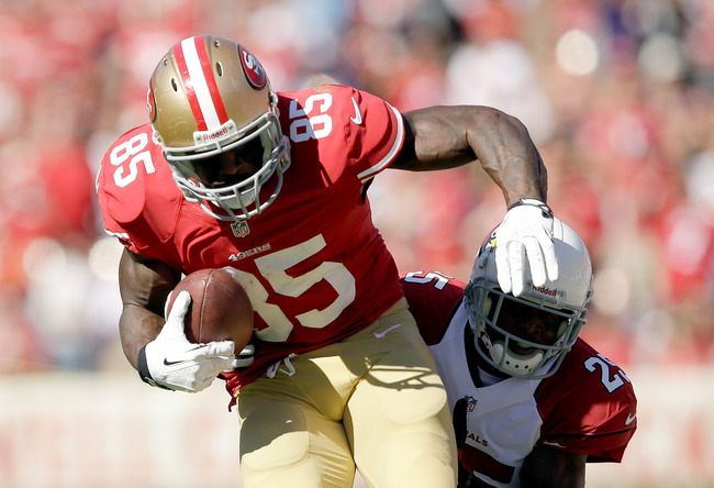 Hi-res-184425092-vernon-davis-of-the-san-francisco-49ers-is-tackled-by_crop_650