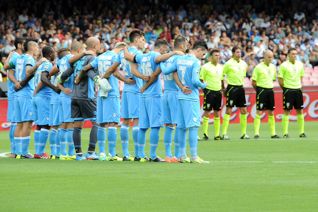 Hi-res-183441250-napoli-players-line-up-before-the-serie-a-match-between_crop_650