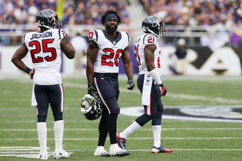 Hi-res-181681841-free-safety-ed-reed-stands-with-cornerbacks-kareem_display_image