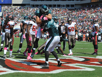 Hi-res-184412293-quarterback-nick-foles-of-the-philadelphia-eagles_display_image