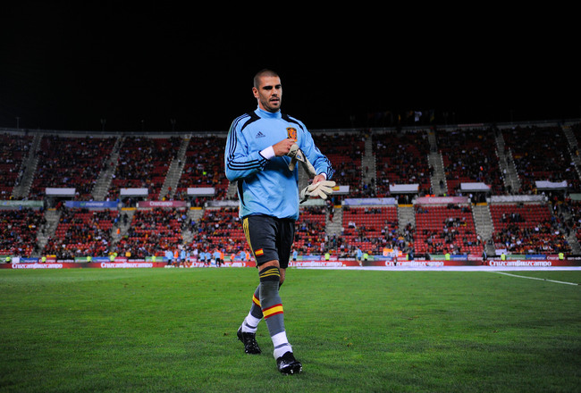 Hi-res-184444797-victor-valdes-of-spain-leaves-the-pitch-after-the-warm_crop_650x440