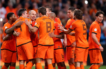 Hi-res-184453963-arjen-robben-of-holland-celebrates-with-robin-van_display_image