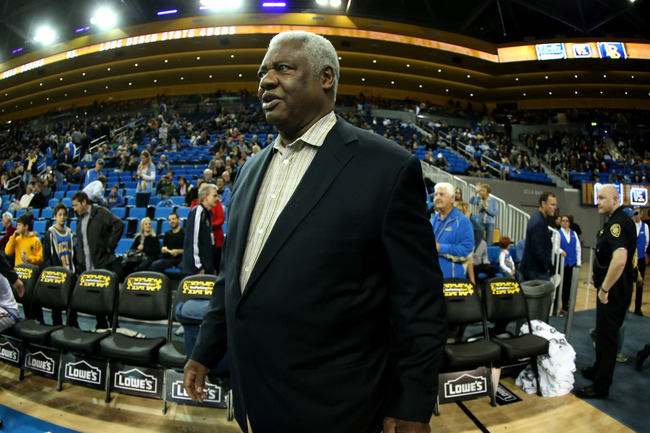 Hi-res-158547313-legend-oscar-robertson-attends-the-game-between-the_crop_650
