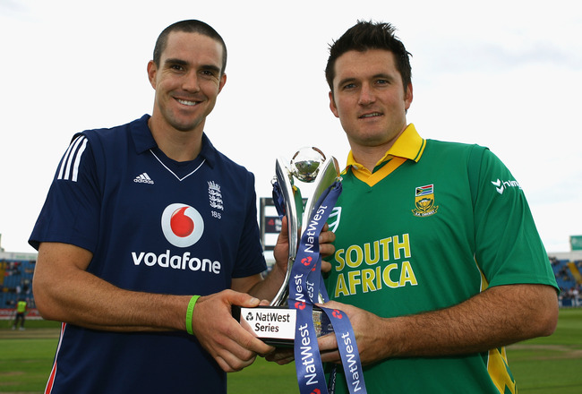 Hi-res-82512595-kevin-pietersen-of-england-and-graeme-smith-of-south_crop_650x440