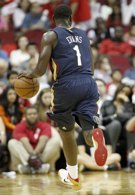 Hi-res-183580521-tyreke-evans-of-the-new-orleans-pelicans-handles-the_display_image