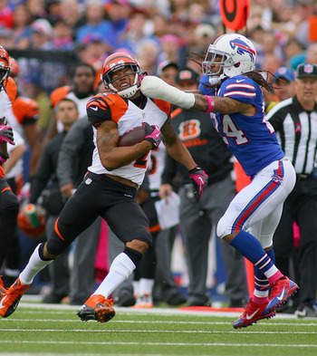 Hi-res-184410368-stephon-gilmore-of-the-buffalo-bills-tries-to-tackle_display_image