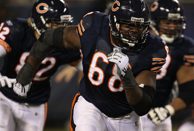 Hi-res-107209215-frank-omiyale-of-the-chicago-bears-moves-to-block_crop_650x440