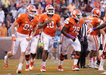 Hi-res-184237204-tajh-boyd-of-the-clemson-tigers-celebrates-with_display_image