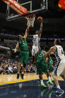 Hi-res-184422393-ed-davis-of-the-memphis-grizzlies-dunks-against-uri_display_image