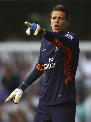 Hi-res-127872345-wojciech-szczesny-of-arsenal-directs-his-defence-during_display_image