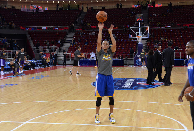 Hi-res-184670799-stephen-curry-of-the-golden-state-warriors-warms-up_crop_650x440