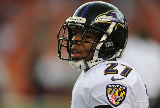 Hi-res-179613409-ray-rice-of-the-baltimore-ravens-warms-up-prior-to-the_crop_650