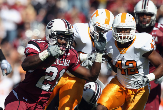 Hi-res-106371509-lamarcus-thompson-of-the-tennessee-volunteers-tries-to_crop_650x440