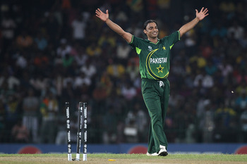 Hi-res-109454266-shoaib-akhtar-of-pakistan-celebrates-bowling-thisara_display_image