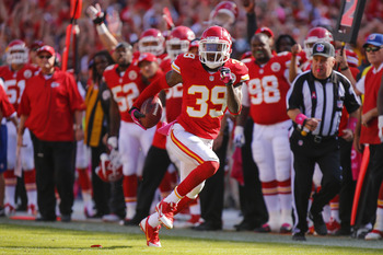Hi-res-184416541-quintin-demps-of-the-kansas-city-chiefs-intercepts-a_display_image