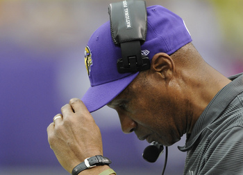 Hi-res-184415993-leslie-frazier-of-the-minnesota-vikings-looks-on-during_display_image