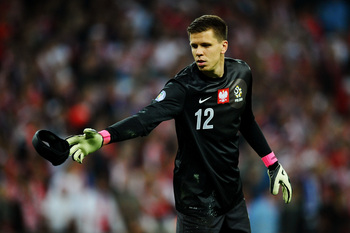 Hi-res-184698779-wojciech-szczesny-of-poland-throws-the-discarded_display_image