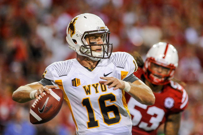Hi-res-179162090-quarterback-brett-smith-of-the-wyoming-cowboys_crop_650