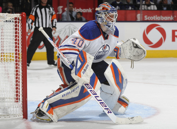 Hi-res-184772133-devan-dubnyk-of-the-edmonton-oilers-defends-the-goal_display_image