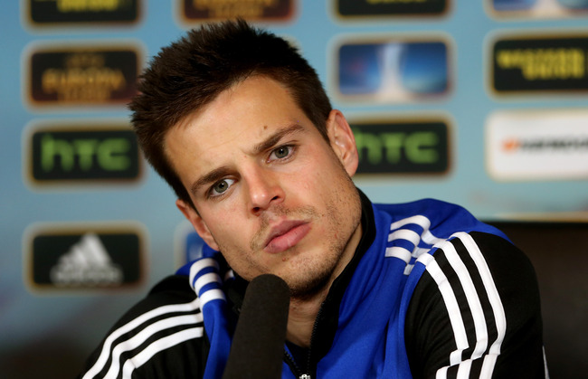 Hi-res-163603899-cesar-azpilicueta-during-a-chelsea-press-conference_crop_650