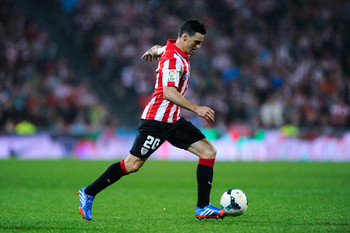 Hi-res-180873380-aritz-aduriz-of-athletic-club-kicks-the-ball-during-the_display_image