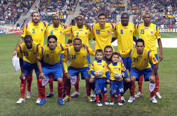 Hi-res-105225167-the-colombia-national-team-poses-for-a-photograph_display_image