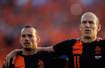 Hi-res-145518631-wesley-sneijder-and-arjen-robben-of-netherlands-sing_display_image