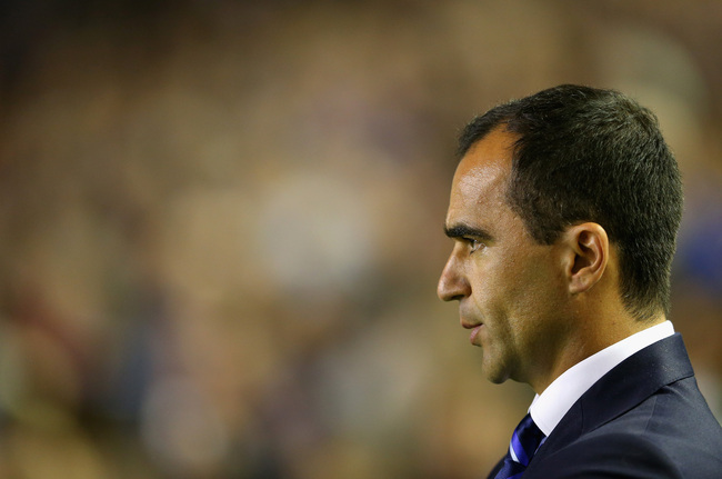 Hi-res-182548154-roberto-martinez-manager-of-everton-looks-on-during-the_crop_650