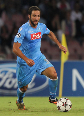 Hi-res-181736108-gonzalo-higuain-of-ssc-napoli-in-action-during-the-uefa_display_image