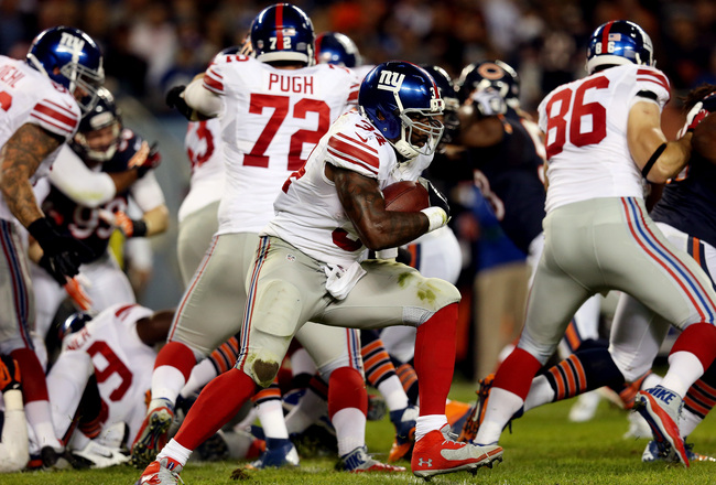 Hi-res-183989504-running-back-brandon-jacobs-of-the-new-york-giants-runs_crop_650x440