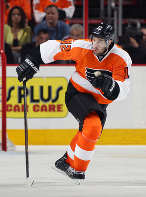 Hi-res-167263015-simon-gagne-of-the-philadelphia-flyers-skates-against_display_image