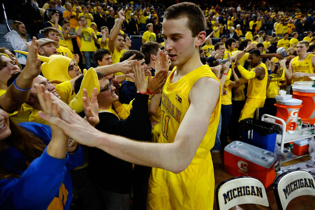 Hi-res-161723752-nik-stauskas-of-the-michigan-wolverines-celebrates-with_crop_650