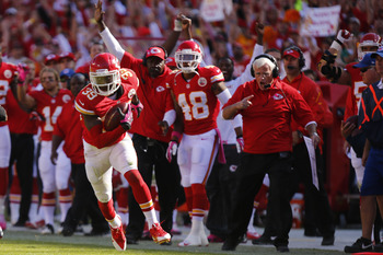 Hi-res-185019356-husain-abdullah-of-the-kansas-city-chiefs-returns-an_display_image